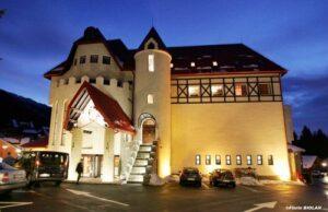 Hotelurile din staţiunile montane îşi reduc tarifele cu 5% în 2013