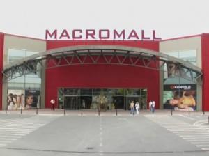 """Foştii proprietari ai Macromall Braşov au """"fugit"""" din Europa Centrală şi de Est"""