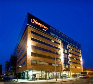 Braşovul va avea două hoteluri Hilton până în 2015