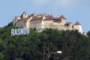 Un weekend plin de distracţie şi petreceri la Râşnov. De la BMW-uri, la muzică şi dans, mici şi bere