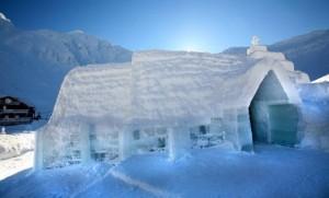 Construcţia Hotelului de Gheaţă de la Bâlea Lac începe pe 1 decembrie