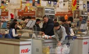 Magazinul Real din Braşov va fi redenumit Auchan