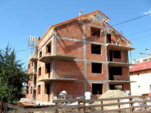Doar 728 de autorizaţii de construcţie în zece luni