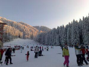 Se poate schia pe pârtia Bradul din Poiana Braşov!