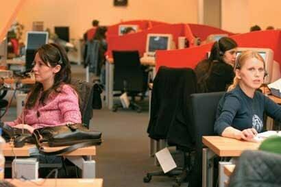Vodafone mută activitatea call-center-ului din Ploieşti la Braşov şi Bucureşti
