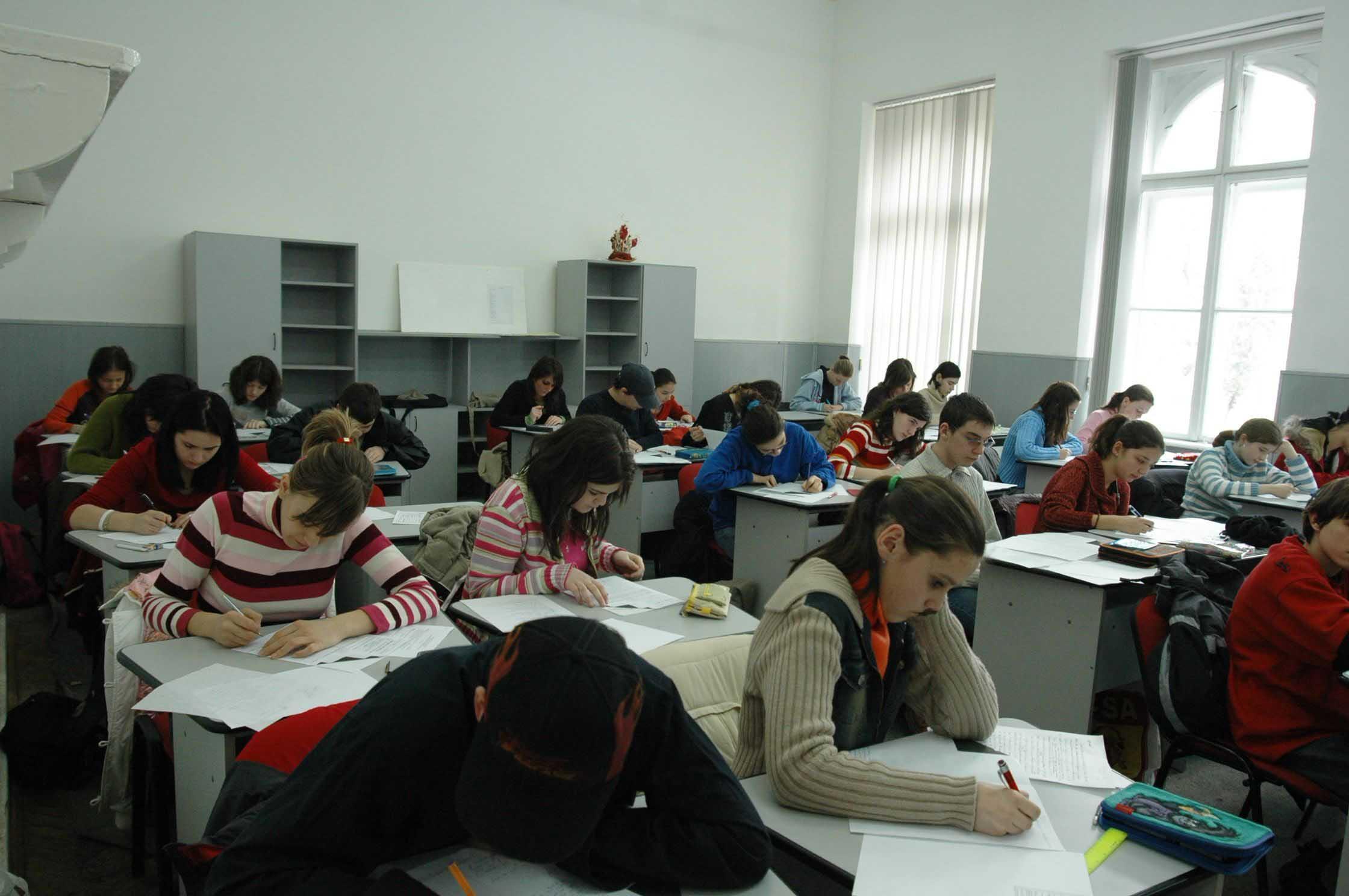 386 de elevi braşoveni au fost testaţi psihometric în cadrul unui proiect cu finanţare europeană