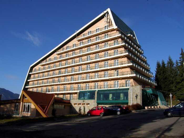 Iordănescu şi-a vândut hotelul din Predeal