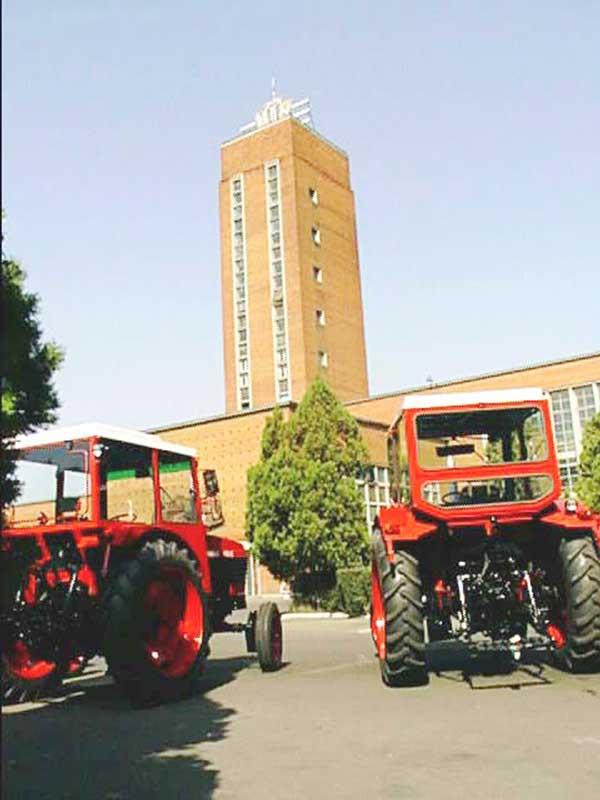 Coresi Business Park investeşte trei milioane de euro în modernizarea unei foste hale a uzinei Tractorul