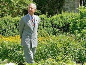 Prinţul Charles face recensământul merilor, perilor şi prunilor tradiţionali din judeţul Braşov