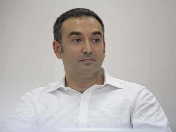 Un fost administrator al Tractorul se lansează în afaceri cu panouri fotovoltaice la Iaşi