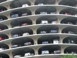 """Proiectele parcărilor """"futuriste"""" ale Braşovului au primit avizul consilierilor locali"""