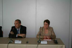 """GSK România vrea să vândă fabrica de la Braşov. Mihai Miron, cel care le-a vândut britanicilor fabrica, se gândeşte să o """"recupereze"""""""