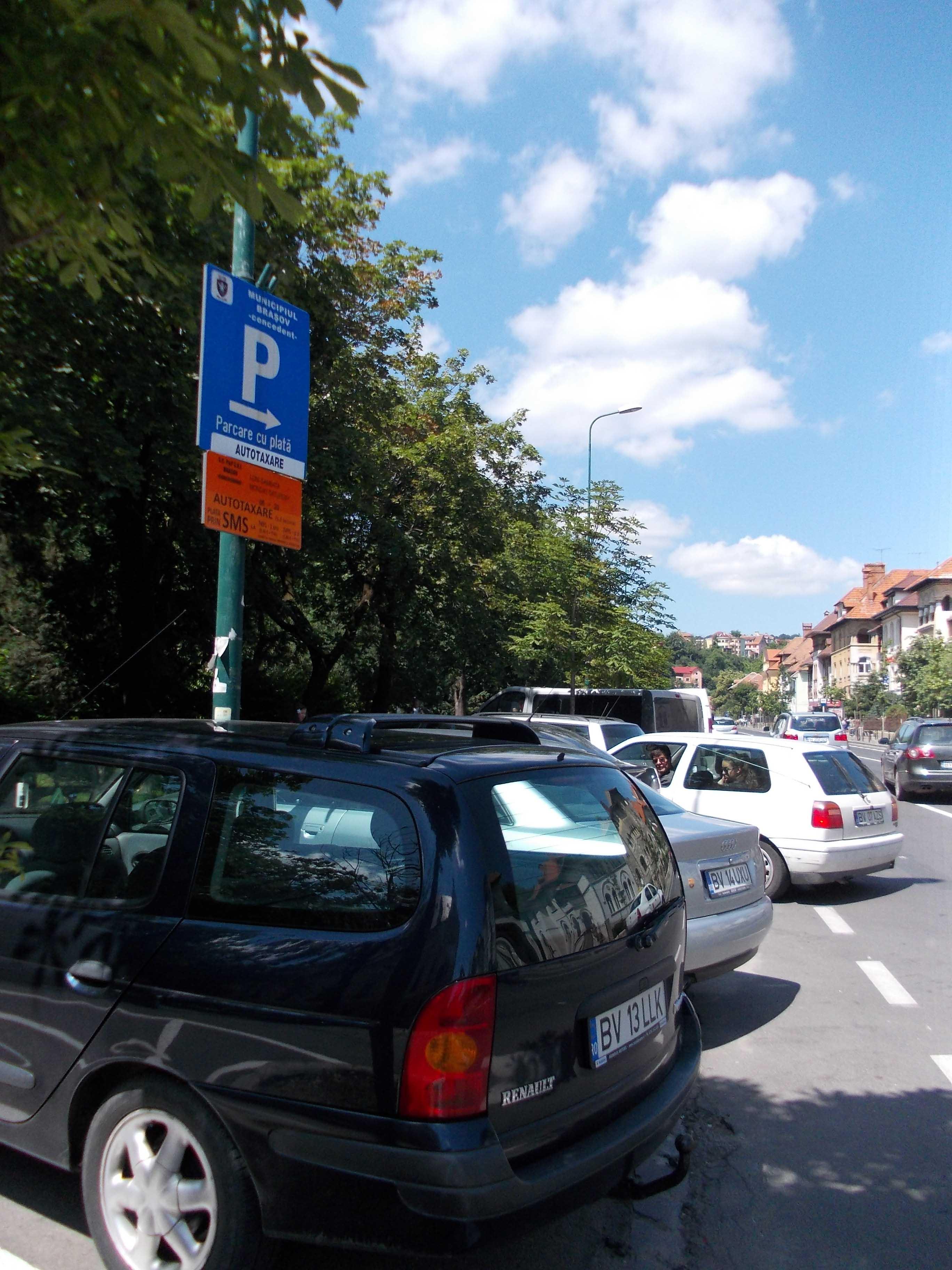 Care sunt primele cartiere din Braşov, unde se va taxa la oră locul de parcare de lângă bloc