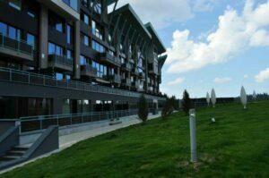 Administratorul judiciar al Silver Mountain vinde apartamentele din proiect cu 1.200 de euro/mp