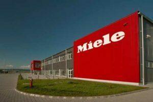 Fabrica Miele de la Feldioara îşi măreşte de trei ori numărul de angajaţi în următorii ani