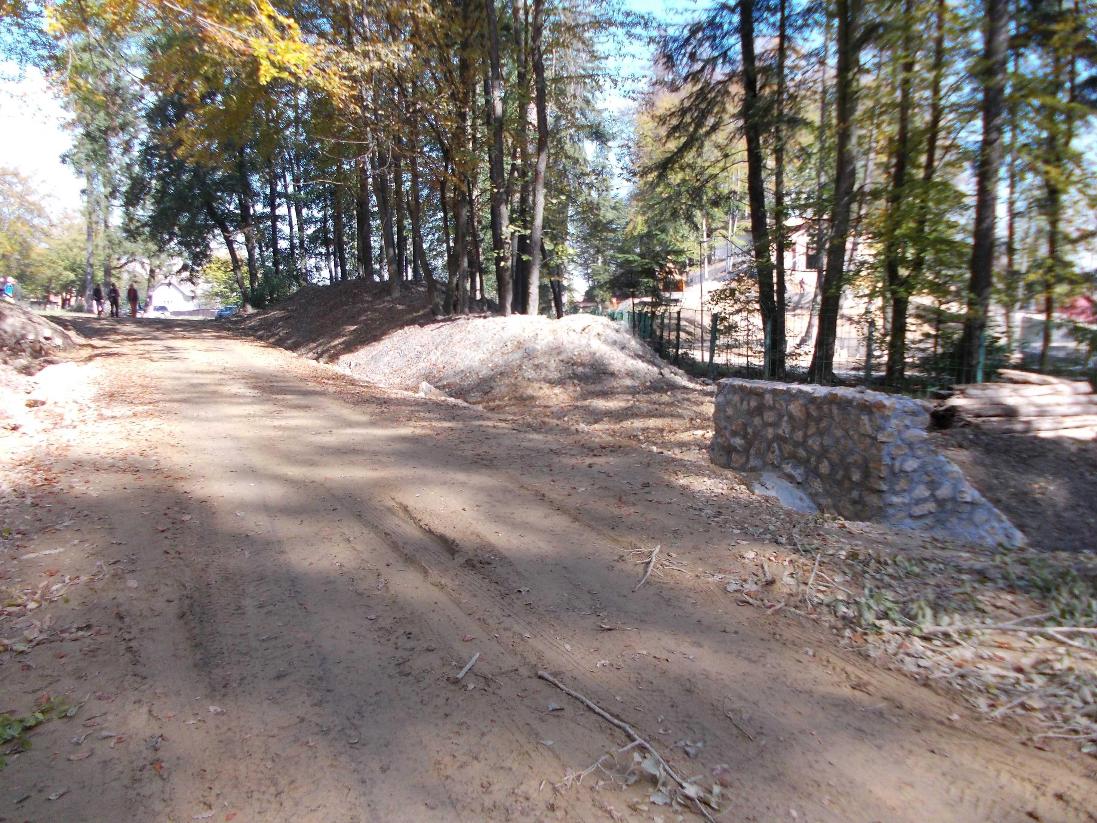 Șoseaua ce străpunge munții spre Timișul de Jos va fi deschisă până la jumătatea lui decembrie