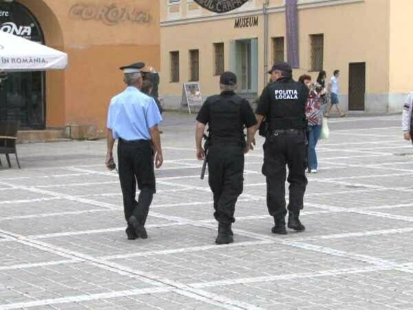 Cei 145 de agenţi ai Poliţiei Locale Braşov vor putea primi până la 720 de lei pe lună, raţie de hrană, din 2015