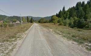 Drumul a fost asfaltat pe portiune de mai putin de un kilometru, in judetul Brasov, acum cateva decenii