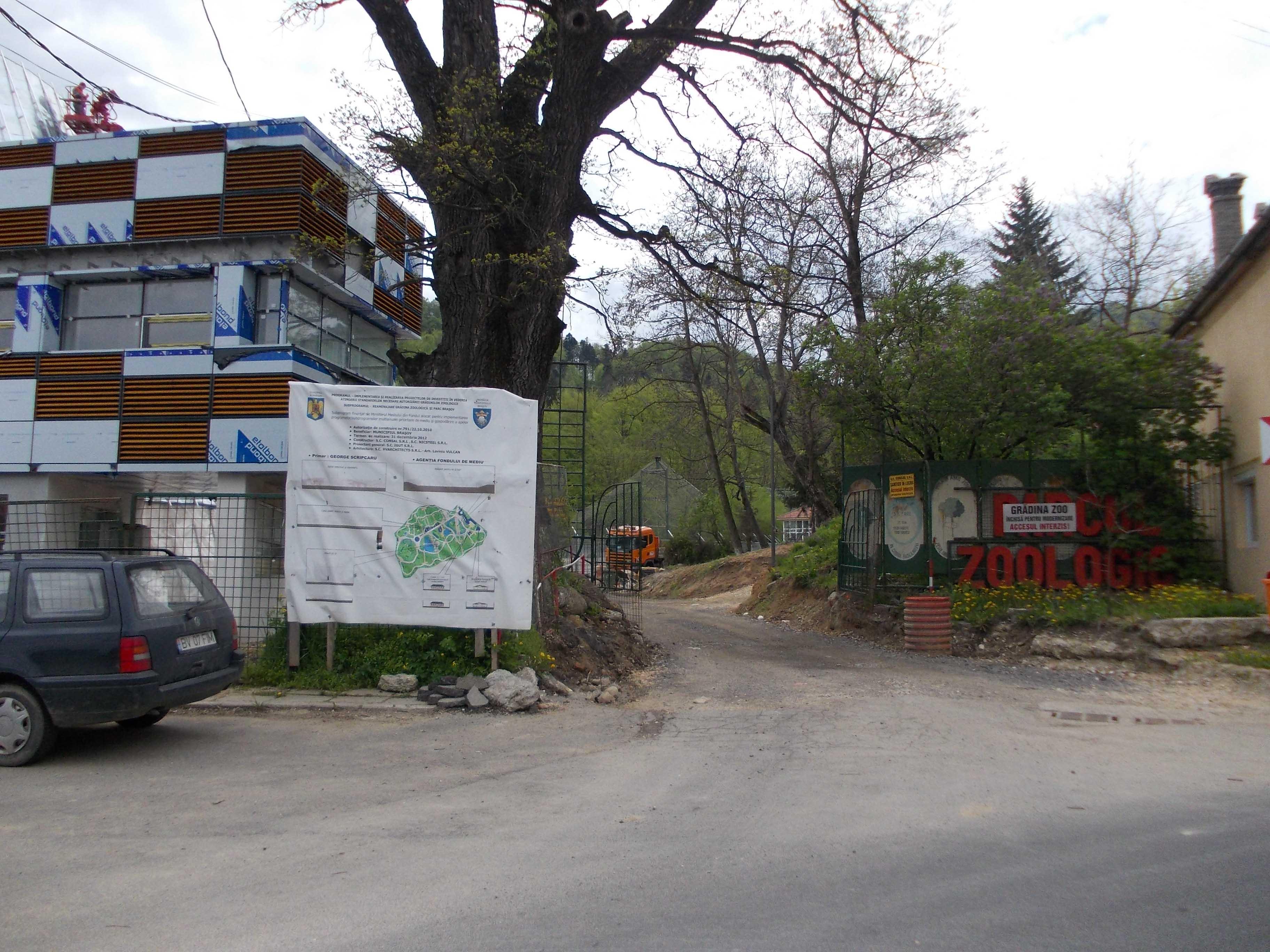 Grădina zoologică se va redeschide abia după jumătatea lui august, deşi ultima promisiune era pentru finele acestei luni