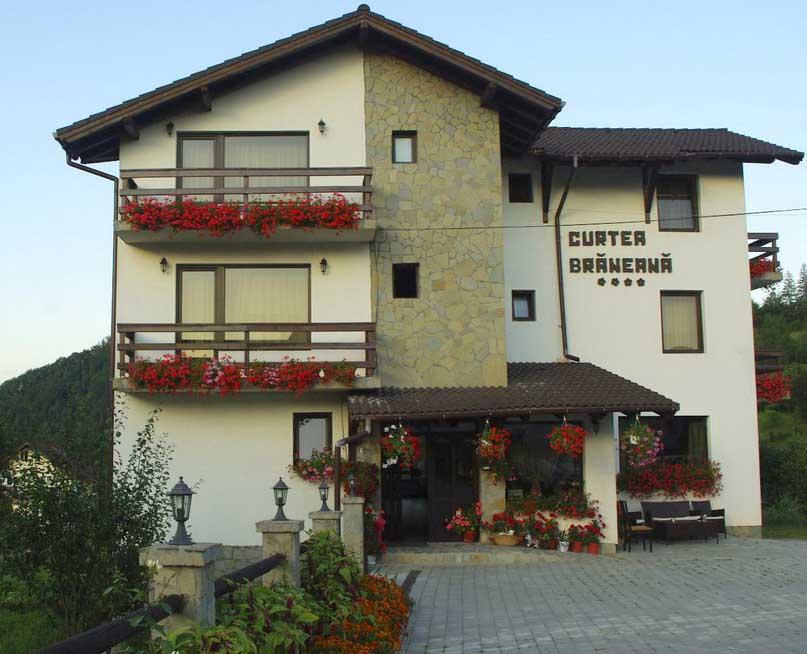 Trei pensiuni şi un restaurant din Braşov au fost premiate de ANTREC