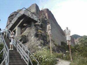 """Castelul Bran pierde teren în faţa Cetăţii Poienari. Amatorii de paranormal şi de legenda lui Dracula s-au """"reorientat"""""""