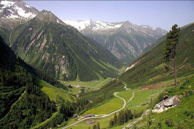 Începe re-marcarea traseelor montane din Carpaţi!