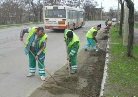 A fost repusă în termen licitaţia privind salubrizarea şi deszăpezirea oraşului, în valoare de 45 de milioane de euro