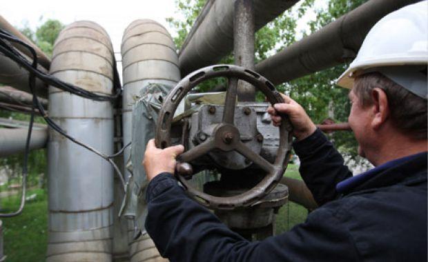 Facturi mai mici la apă caldă pentru brașovenii racordați la sistemul centralizat. Prețul gigacaloriei a fost redus cu 2,56 lei