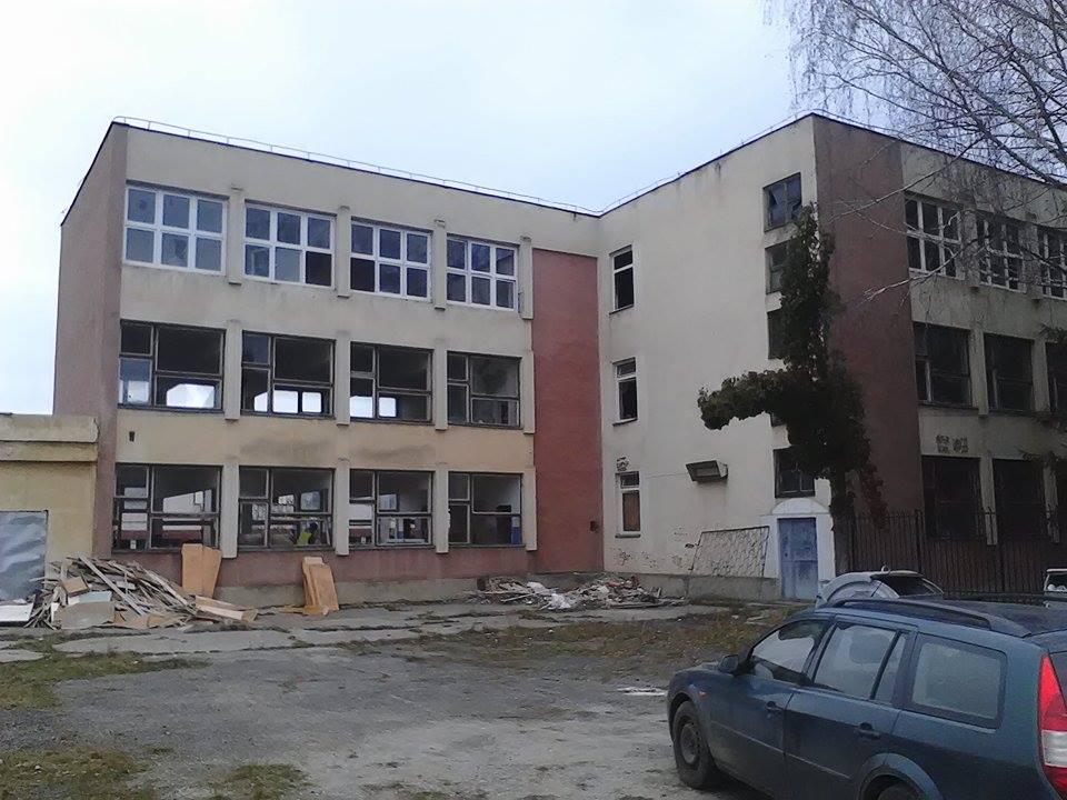 Un singur constructor a licitat pentru continuarea lucrărilor, estimate la 1,53 milioane de lei, de la liceul părăsit din Uzina 2