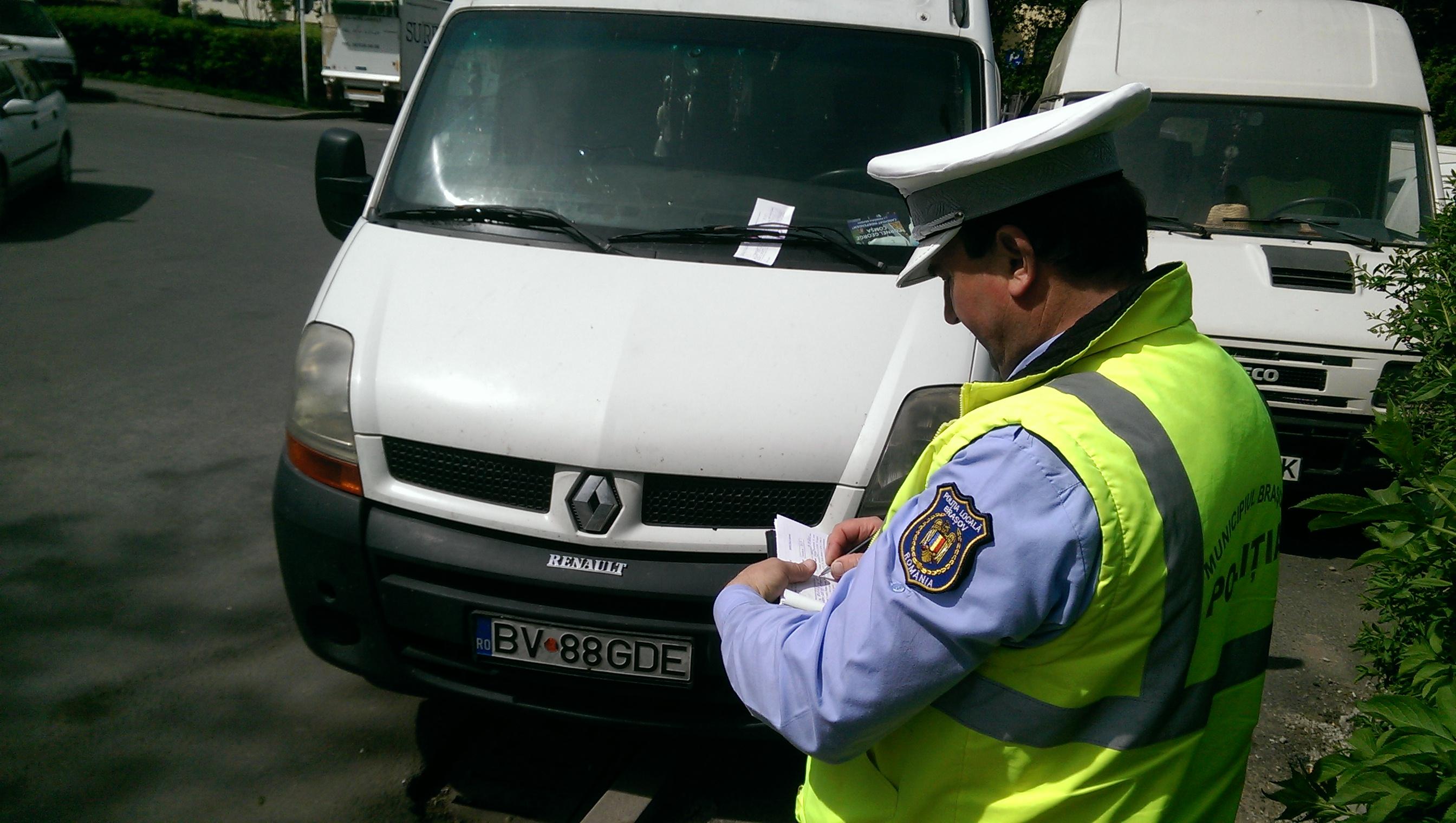 220 de amenzi pentru ocuparea abuzivă  sau blocarea locurilor de parcare de reședință