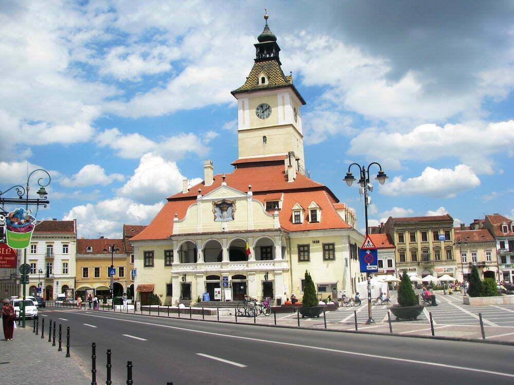 council-square-brasov