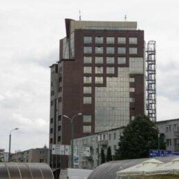 O companie controlată de investitori moldoveni vrea să transforme fostul sediu BCR în hotel
