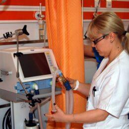 """fwdBV #11: Sănătatea aduce """"privaților"""" brașoveni afaceri de 80 de milioane de euro"""