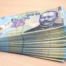 Zece licee tehnologice din judeţul Braşov primesc bani pentru reducerea abandonului şcolar şi îmbunătăţirea rezultatelor la BAC