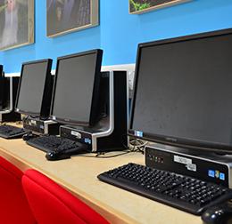 Două colegii din județul Brașov își vor dota laboratoarele de informatică cu finanțare din Japonia. eMAG și 2 Net Computers, printre ofertanții de echipamente