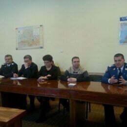 Nici miercuri nu se face școală la Brașov. Decizia a fost luată, după ce autobuzele și troleibuzele RATBV au picat pe capete, din cauza gerului