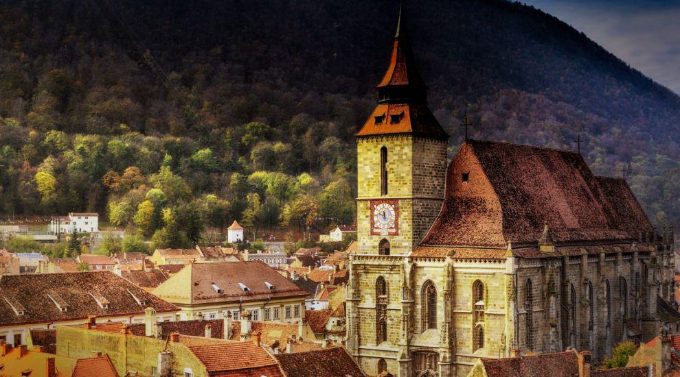 Biserica Neagra, simbol al Brașvoului, vedere din centrul vechi