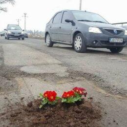 Proteste pe DN73, la Râșnov, pentru întârzierile la repararea celui mai important drum turistic din județ