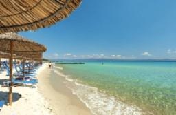 STUDIU Odată cu relaxarea restricțiilor de călătorie, 76% dintre români vor să își petreacă vacanța în străinătate