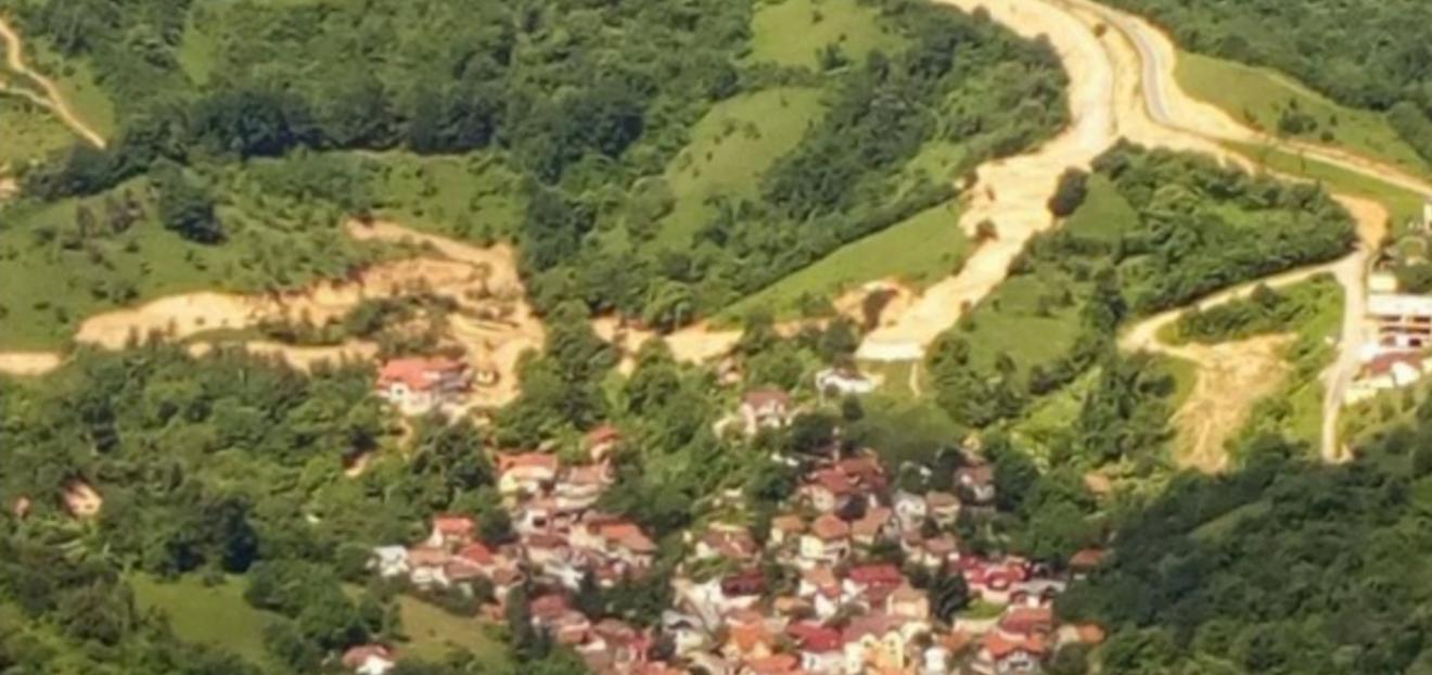"""Niște maramureșeni vor """"măsura"""" dealurile Șcheiului în vederea întocmirii noului Plan Urbanistic pentru această zonă """"sensibilă"""""""