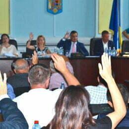 Consilierii județeni care participă la toate ședințele de plen primesc 10% din valoarea indemnizației președintelui Adrian Veștea