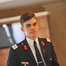 Povestea tânărului care a intrat cu nota 10 la Academia Forțelor Aeriene Henri Coandă