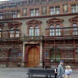 """Restaurări """"surpriză"""" la fațada Rectoratului. Lucrările vor costa Universitatea peste 6 milioane de lei"""