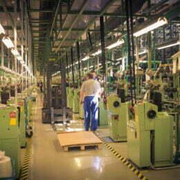 Autoliv angajează încă 120 de persoane la fabrica sa din Brașov