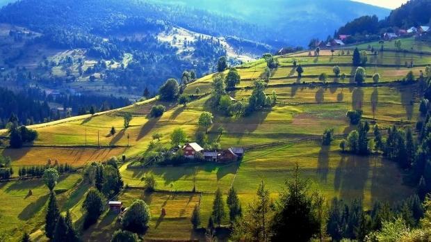 Valea Prahovei: Obiective turistice, pârtii și stațiuni de schi pe care le poți vedea în vacanță