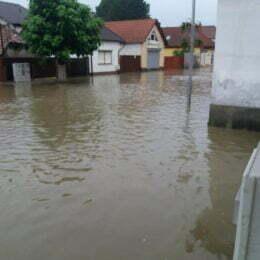 Doar 6,55 milioane de lei din cele peste 10 milioane solicitate, alocate de Guvern Brașovului pentru refacerea infrastructurii afectată de inundații