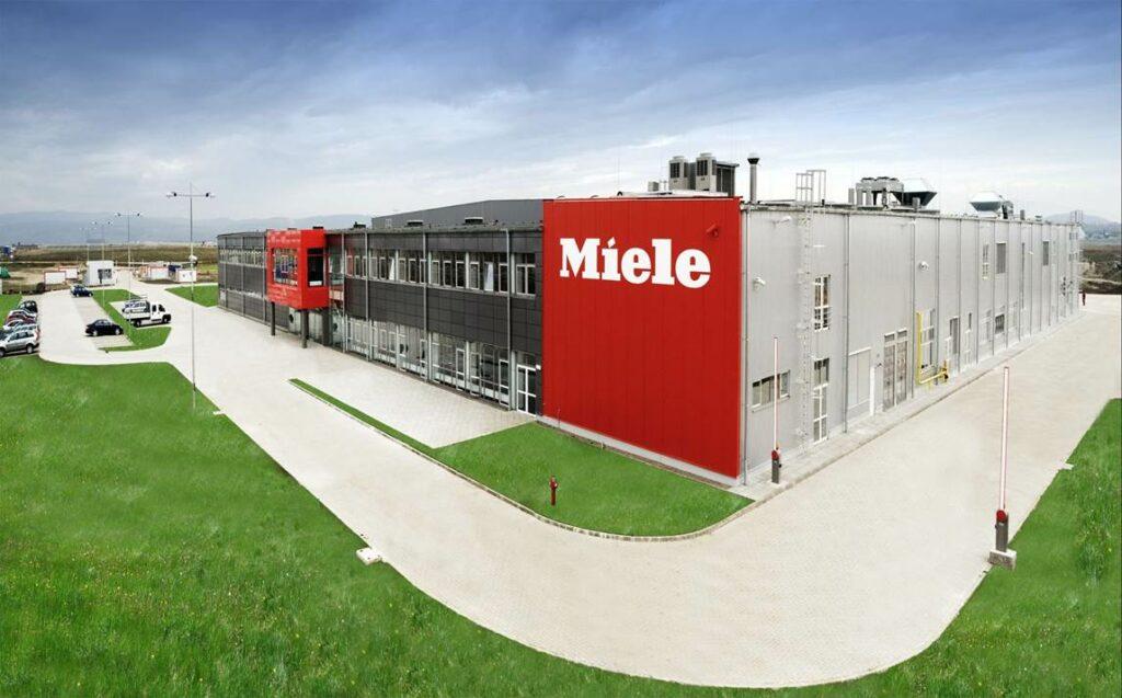 Germanii de la Miele investesc patru milioane de euro în retehnologizarea fabricii de la Feldioara și se pregătesc să construiască o nouă hală de producție