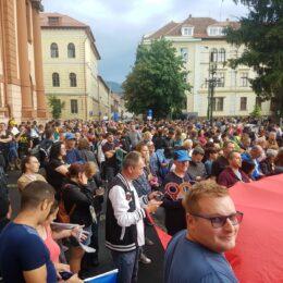 Peste 2.000 de participanți sunt așteptați la protest în fața Prefecturii, la orele 18.00