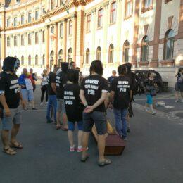 Protest la Prefectura Brașov după demiterea Laurei Codruța Kovesi, fosta șefă a DNA