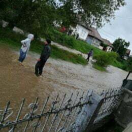 Guvernul a aprobat sumele necesare pentru refacerea infrastructurii distrusă de inundații. Brașovul are nevoie de peste 30 de milioane de lei pentru a remedia din pagube